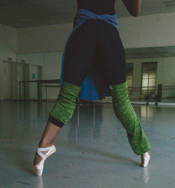 【Rubia Wear】バレエダンサーがデザインしたレッグウォーマー SoftMoss(グリーン)ショート丈