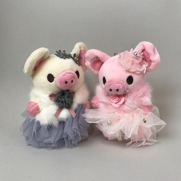 ふわふわ バレリーナ豚ちゃんのキーホルダー★ チュチュ着ておしゃまなバレリーナがとにかく可愛い!