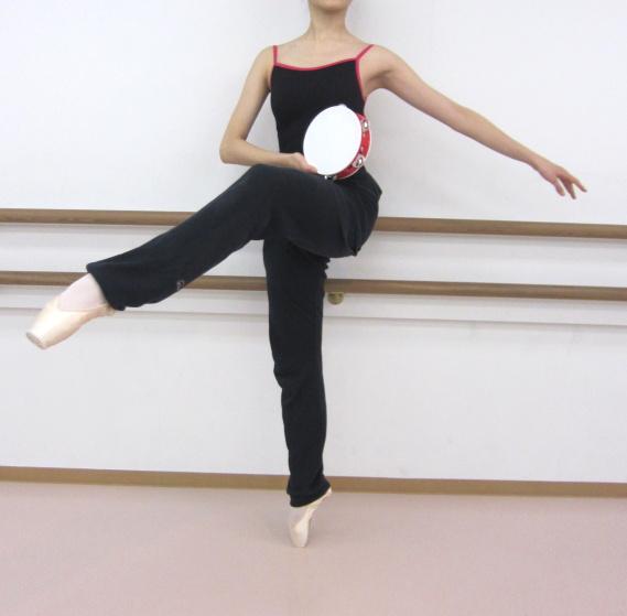 タンバリン♪エスメラルダやナポリの踊りに欠かせないダンス&バレエ練習用タンバリン(18cm)