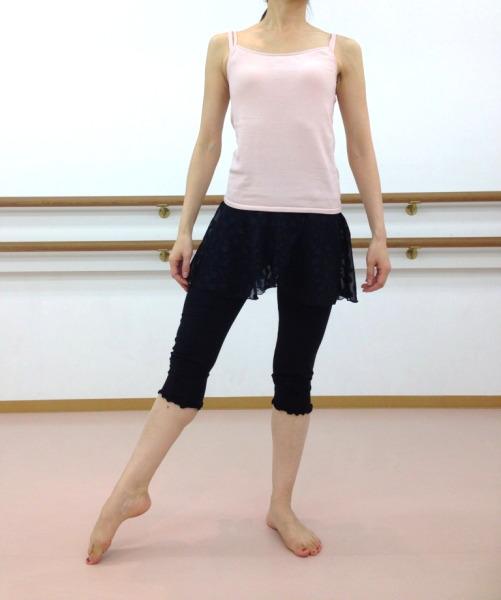 バレエに♪ヨガに♪水玉シフォンスカート付 ストレッチカプリパンツ(ブラック)